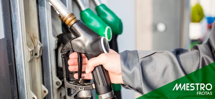 Gasolina aditivada ou comum: qual é a diferença?